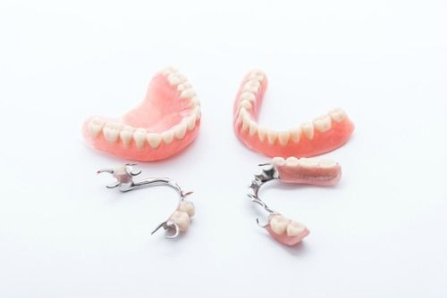 Comparison of Dentures and Teeth Partials